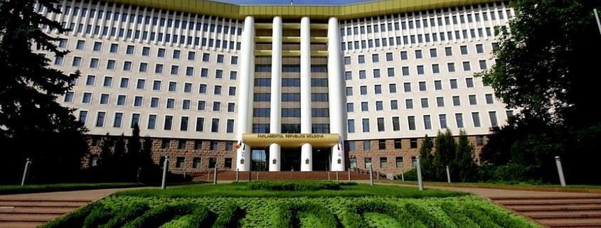 Deputații moldoveni au șansa de a susține e-transformarea R. Moldova